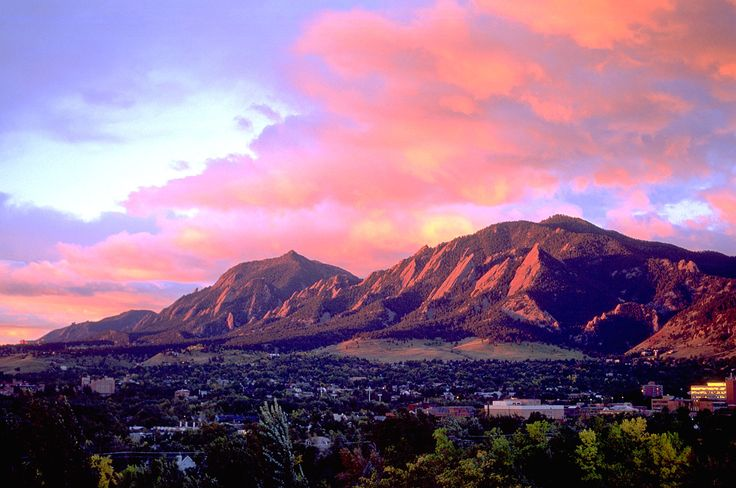 Check out the top 10 things to do in Boulder Colorado. Hike the flatirons, visit University of Colorado - Boulder, hang out at Chautauqua & Pearl Street.
