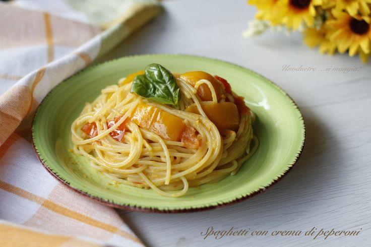 Spaghetti+con+crema+di+peperoni  Ecco la ricetta completa: http://blog.giallozafferano.it/unoduetresimangia/spaghetti-con-crema-di-peperoni/