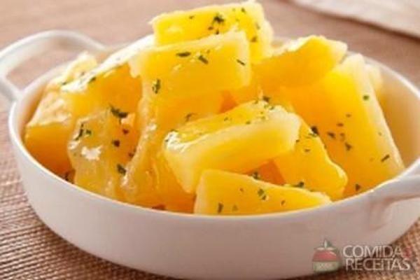 Receita de Macaxeira cozida em Legumes e verduras, veja essa e outras receitas aqui!