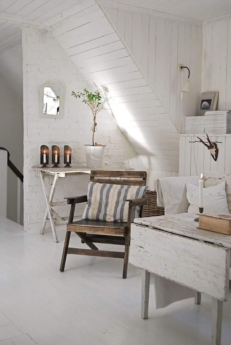 I love this cozy attic space 65