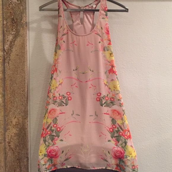 GB Halter high low short dredd GB peach halter short mini dress... Chiffon.. Fully lined... Small stain discoloration barely noticeable last picture...high low hem... Gianni Bini Dresses High Low