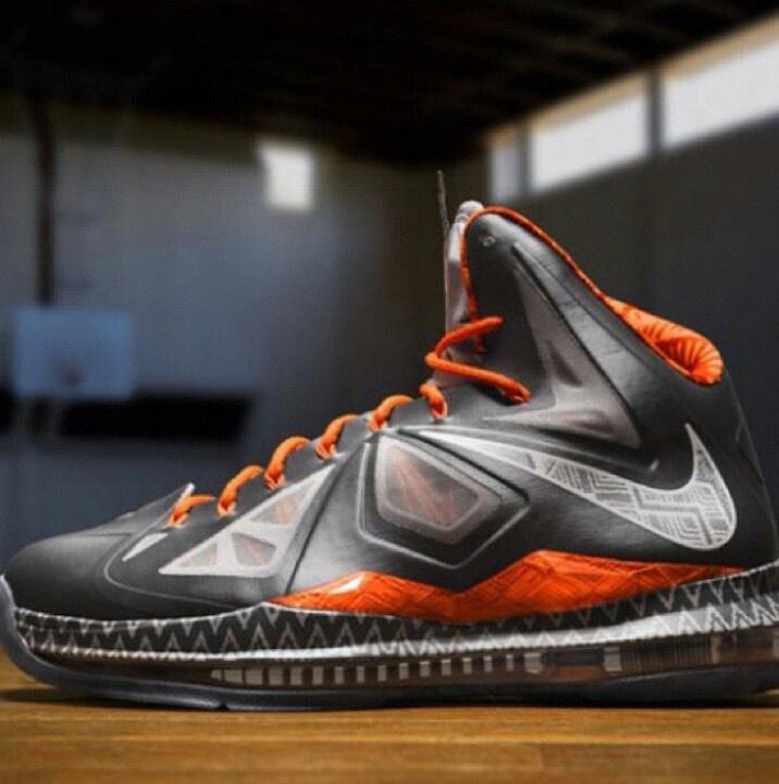 Nike Basketball Black History Month Collection - 2013 (LeBron X)