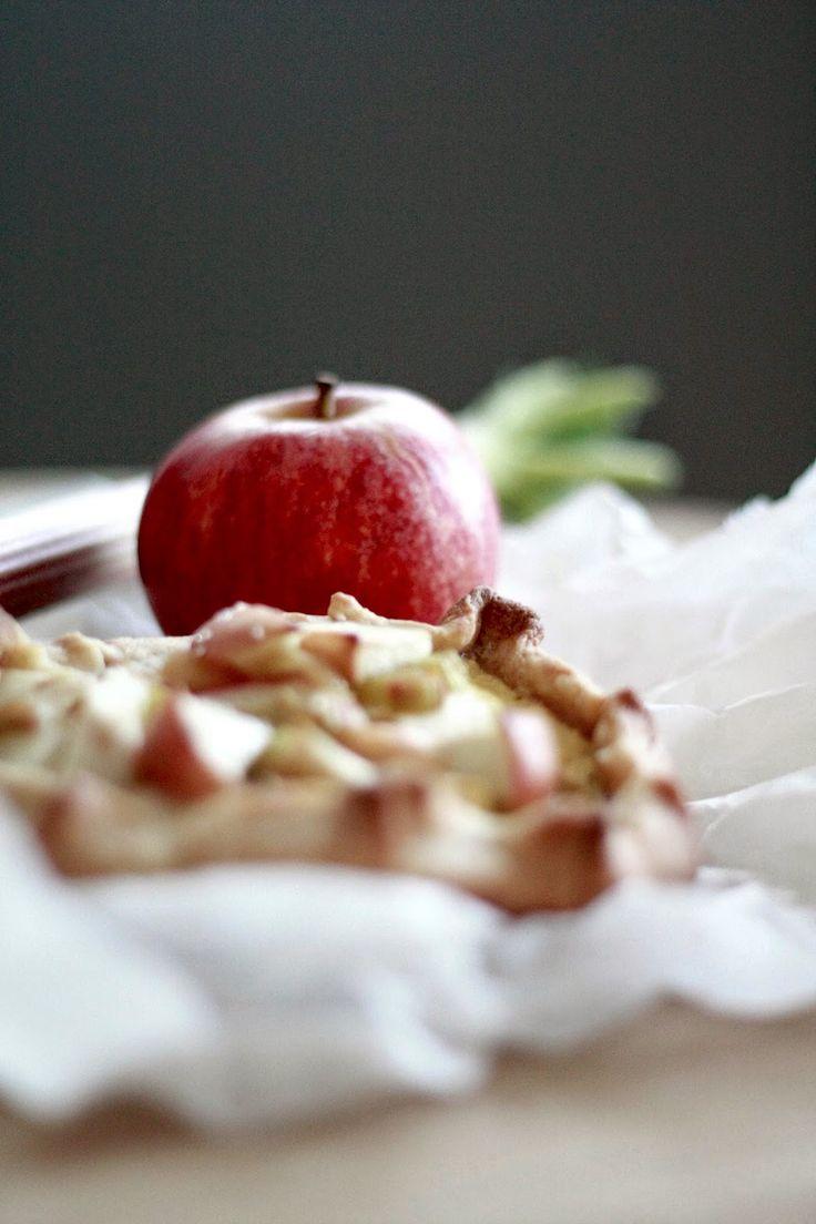 Pai med rabarbra og eple   Sunn Holdning