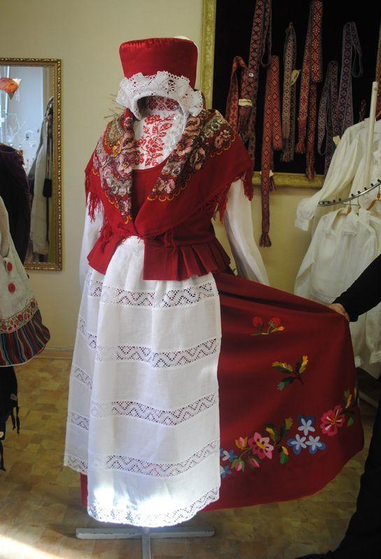 Lihula, West Estonia, 19th century  Lihula rahvarõiva komplekt