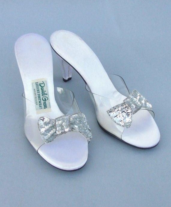 17 best ideas about bedroom slippers on pinterest sewing - Ladies bedroom slippers with heel ...
