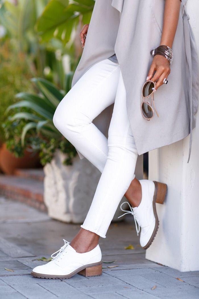 A dash of white // Style
