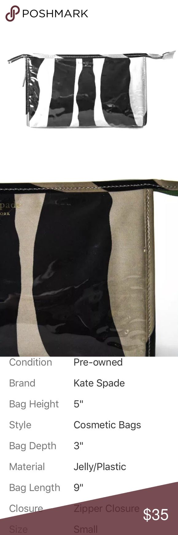 KATE SPADE BROWN BLACK PLASTIC SMALL COSMETIC BAG KATE SPADE BROWN BLACK PLASTIC SMALL COSMETIC BAG Description: Zipper Closure Authenticated by a Kate Spade Aunthenticator Jelly/Plastic Condition: 📍Pre-Owned 📍Visible Wear Throughout kate spade Bags Cosmetic Bags & Cases