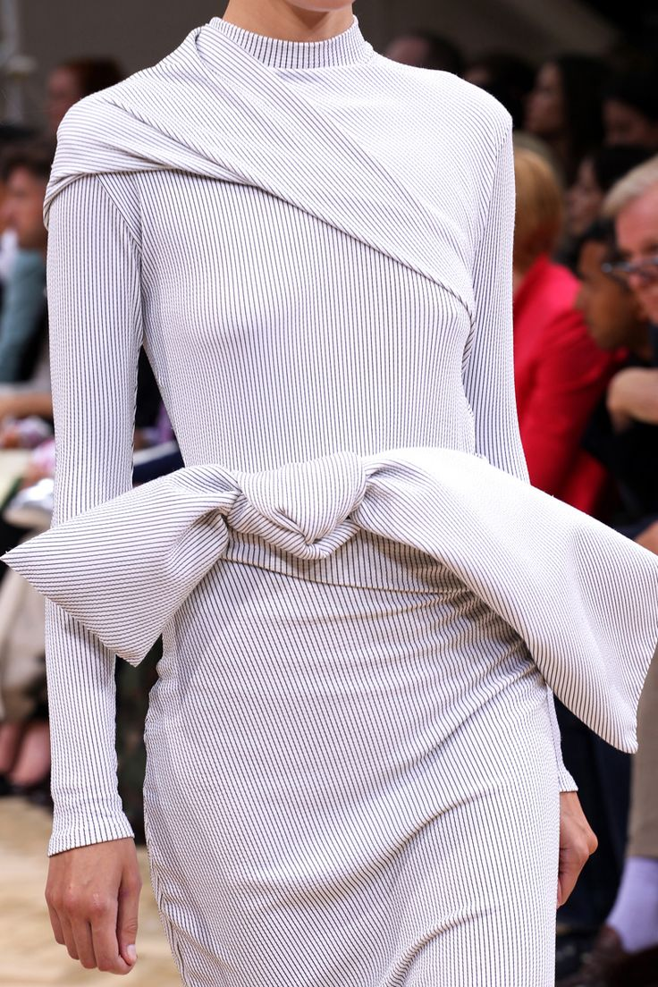 J.W. Anderson Spring 2014 RTW - Review - Fashion Week - Runway, Fashion Shows and Collections - Vogue