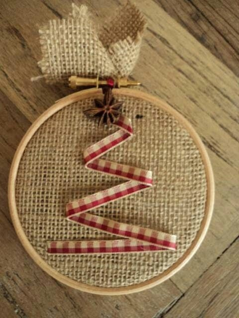 Burlap, mini embroidery hoop, ribbon , easy Christmas tree ornament