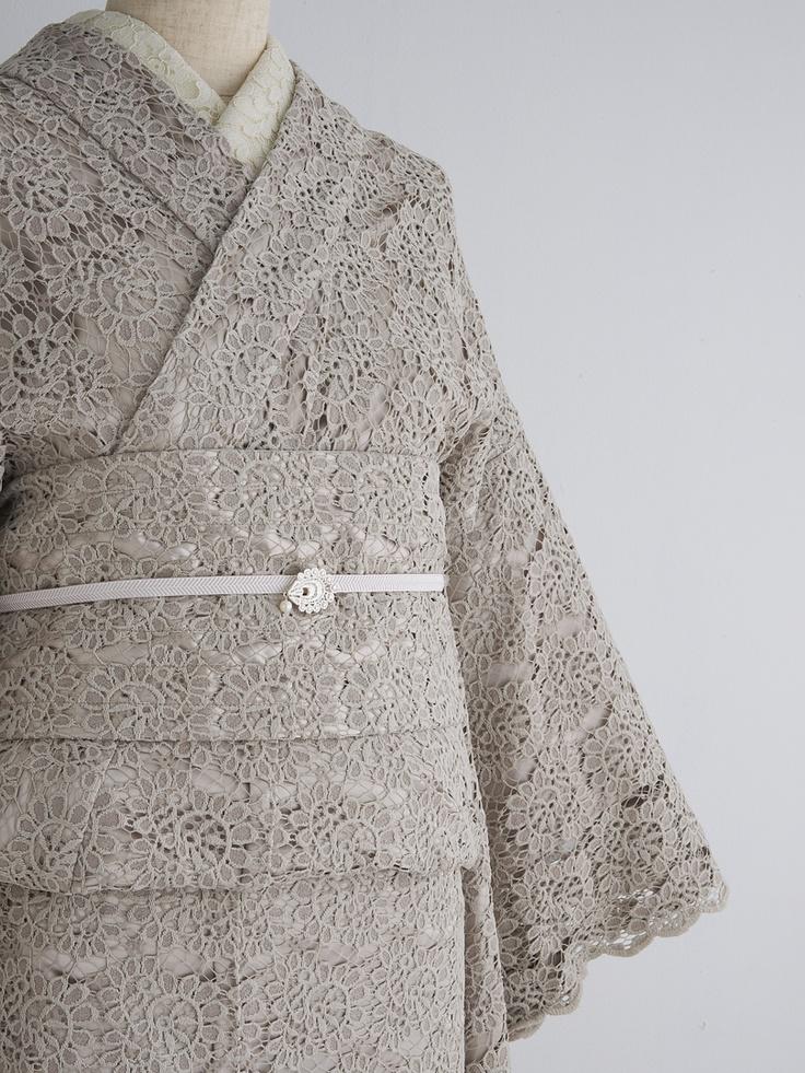 full lace kimono, a beautiful reinterpretation of tradition.