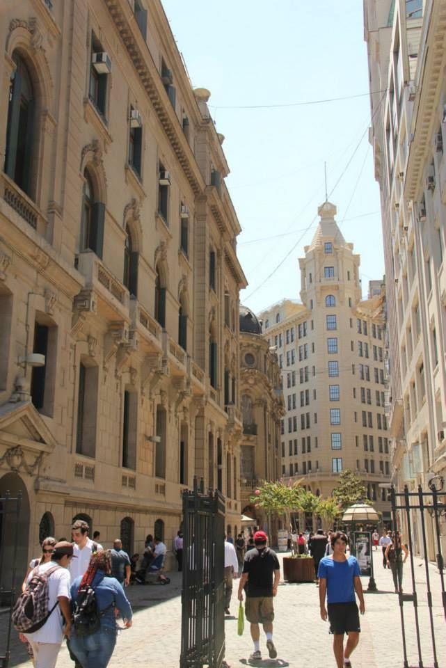 Calle Nueva York, Costado Club de La Uniòn Santiago Centro, Chile