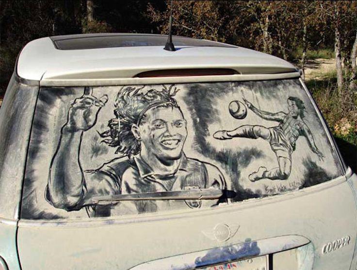 Kirli Araba Camına Çizilen Muhteşem Sanat Eserleri