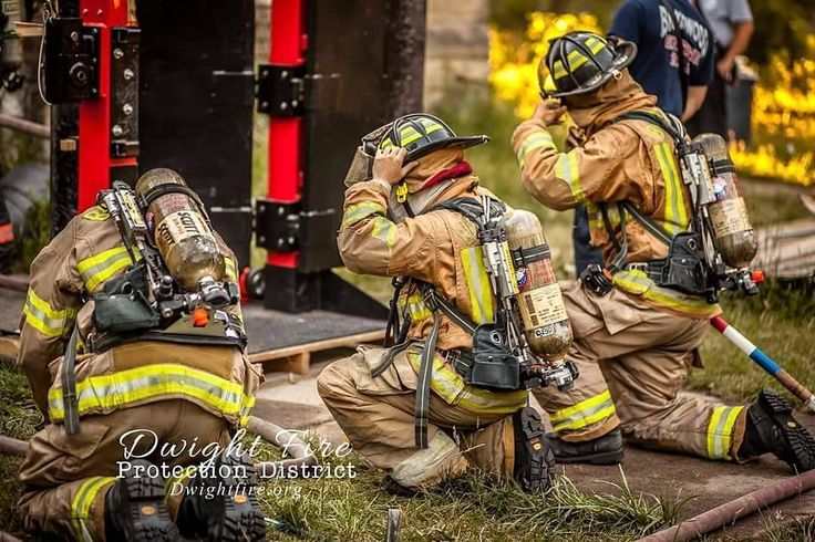 FEATURED POST @second.alarm.fire.photography - . . TAG A FRIEND! http://ift.tt/2aftxS9 . Facebook- chiefmiller1 Periscope -chief_miller Tumbr- chief-miller Twitter - chief_miller YouTube- chief miller Use #chiefmiller in your post! . #firetruck #firedepartment #fireman #firefighters #ems #kcco #flashover #firefighting #paramedic #firehouse #firstresponders #firedept #feuerwehr #crossfit #brandweer #pompier #medic #firerescue #ambulance #emergency #bomberos #Feuerwehrmann #firefighters…