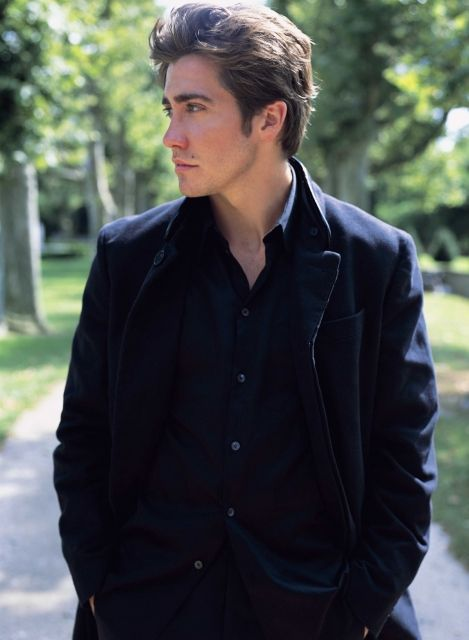 (Fc:Jake Gyllenhaal) Hello my names Leo. I'm utterly human and only here for a special young lady I met not to long ago.