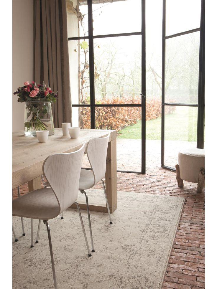 http://www.benuta.de/orientteppich-oriental-vintage-beige.html Der unauffällige und trotzdem sehr elegante Orientteppich Fade von benuta passt sich jedem Einrichtungsstil an.