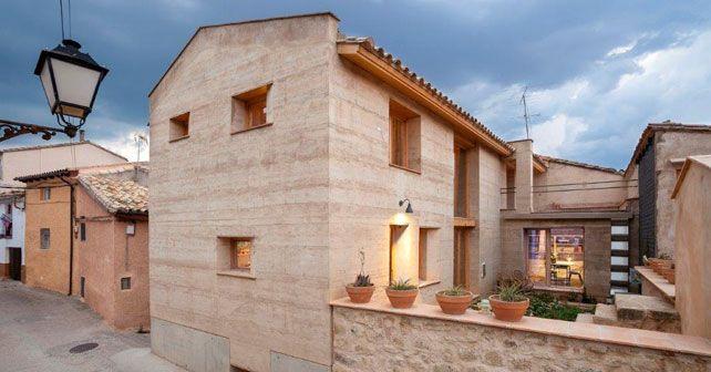 Casa de tapial en Ayerbe (Huesca) finalista del Terra Award 2016   Arquimaster