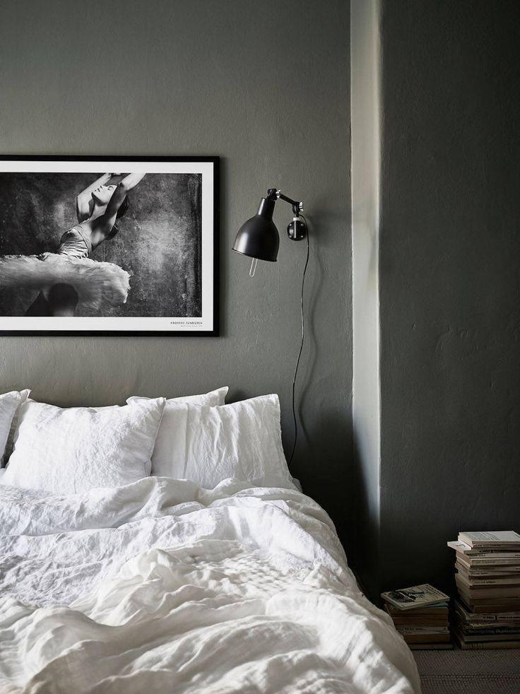 SFDBFFAC0350ABC4F14826D41835A0806D5. Best 25  Dark grey bedrooms ideas on Pinterest   Charcoal paint