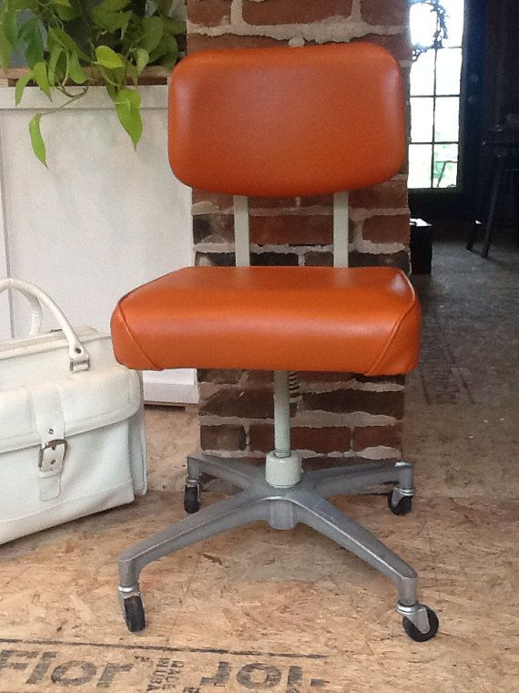 Retro Orange HON Rolling Adjustable Office Chair - loving the orange!