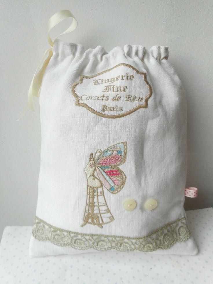 """Pochon à lingerie """"corset de rêve - mannequin vintage"""" création miss coopecoll : Autres sacs par miss-coopecoll"""