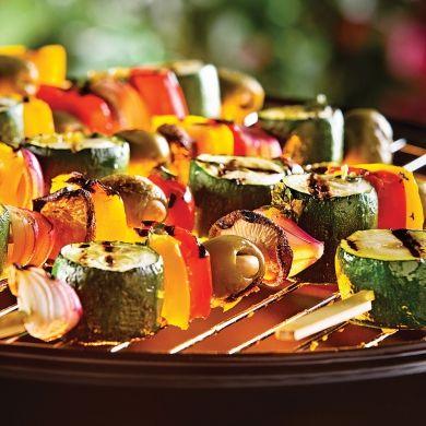 Brochettes de légumes lime et ail - Recettes - Cuisine et nutrition - Pratico Pratique