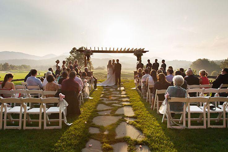 Brasstown-Valley-Outdoor-Wedding-Venue-Georgia-Wedding-Venues-Sunet-Terrace