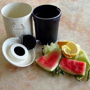 best 25 kitchen compost bin ideas on pinterest garden compost diy compost bin and compost container