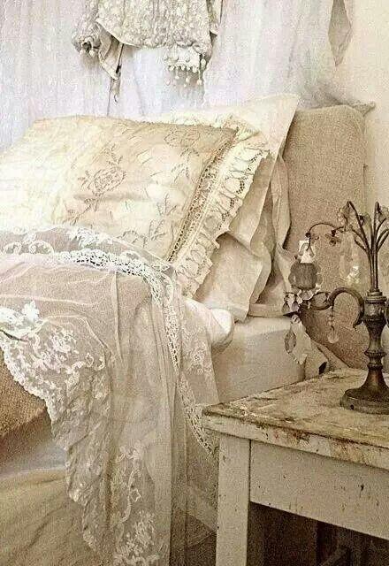 pin von countryarts more heidrun weber auf brocante shabby chic kissen schlafzimmer und. Black Bedroom Furniture Sets. Home Design Ideas