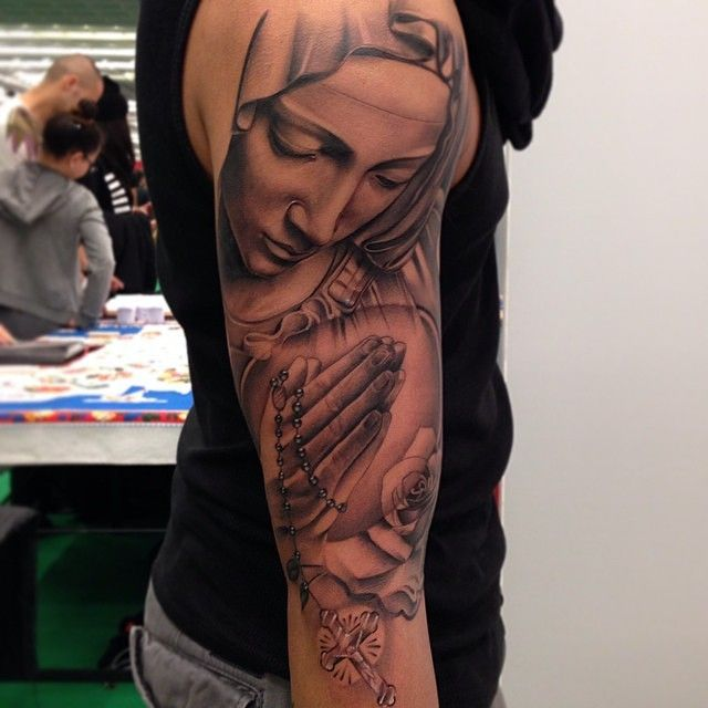 35 Spiritual Virgin Mary Tattoo Designs & Meanings Check more at http://tattoo-journal.com/35-spiritual-virgin-mary-tattoos/