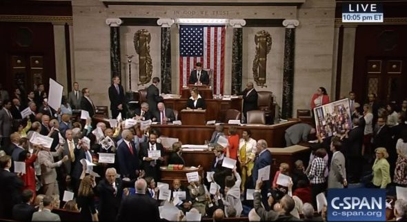Chaos on House Floor as Paul Ryan Brings House to Order During Democratic Sit-In - June 22, 2016 - Update, 11:27 p.m.: We're going to wrap up this evening's live blog coverage of the Democrats sit-in and pick it up in the morning. It's been a big day ...