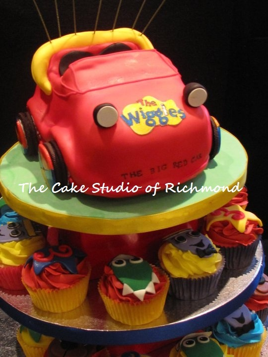 the Wiggles cupcake tower