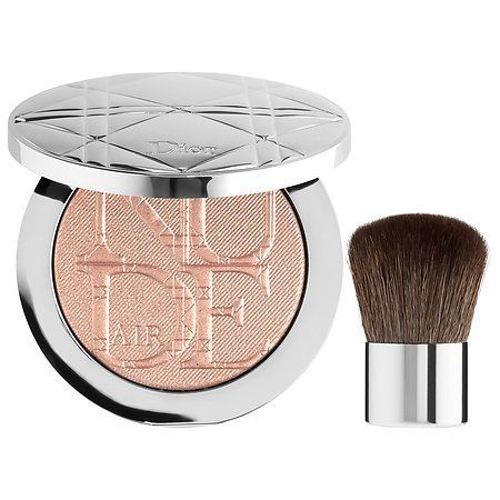 Shop Dior's Diorskin Nude Air Luminizer Powder at Sephora. This feather-light pressed powder is packed with luminous pigments for an allover glow.