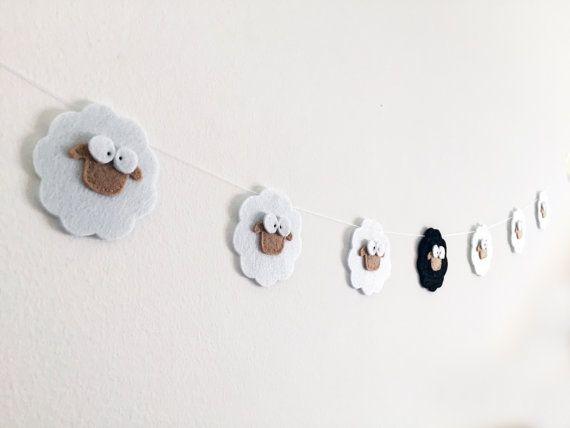 Mouton+noir+guirlande+feutre+ferme+Zoo+thème+Nursery+par+Artifanhas