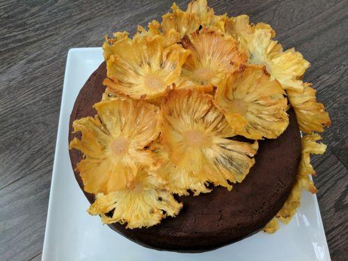 Pineapple flowers chocolate cake