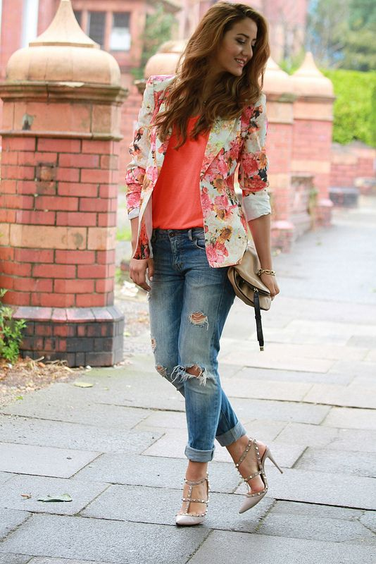 Perfect Casual Fashion Style - Floral Jacket Ripped Jeans and Heels Outfit