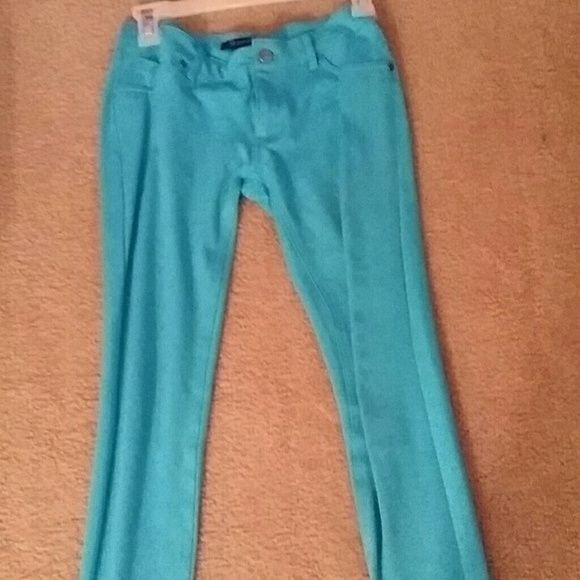 Light blue skinny jeans Nice light blue skinny jeans, in good condition. Pants