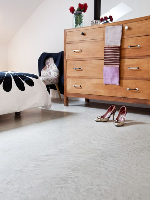 #microtopping floor mixed with classic forniture #bedroom http://www.idealwork.com/Micro-Topping-Features-and-benefits.html