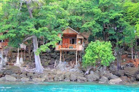 Yulia's, Pulau weh