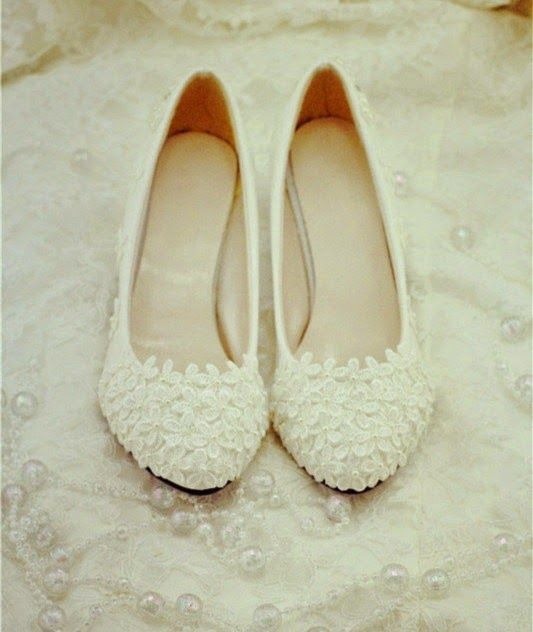 Flat Wedding Shoes: Tips When Looking for Both Comfort and Style   Read more:    http://simpleweddingstuff.blogspot.com/2015/05/flat-wedding-shoes-tips-when-looking.html