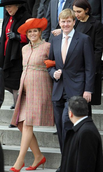 Royal pregnancy style file: How Mary, Maxima and co showed Kate the way in looking princess-perfect - Photo 11