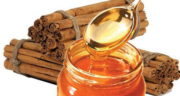 We Know That The Combination Of Honey And Cinnamon Is Good For Our Health, But Do You Know What It Does To Our Body? - http://nifyhealth.com/we-know-that-the-combination-of-honey-and-cinnamon-is-good-for-our-health-but-do-you-know-what-it-does-to-our-body/