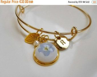 Personalised initial bracelet in gold with real pressed flower by MyJewelsGarden