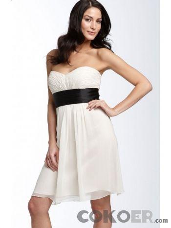 Korta-Brudklänningar-sweetheart-korta-bröllopsklänningar-i-svart-båge