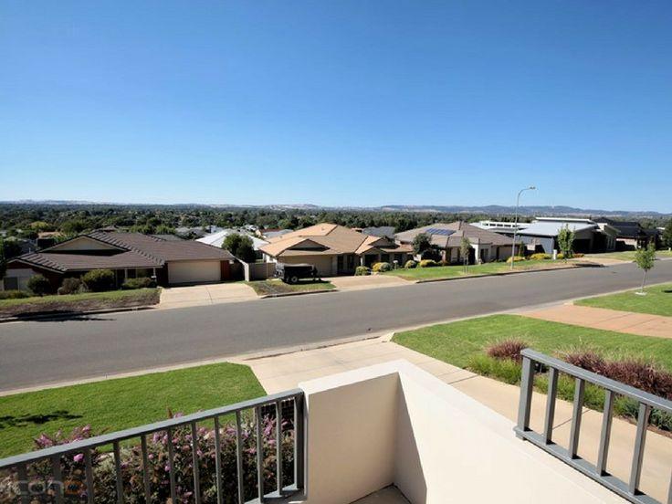 Stunning view form the balcony overlooking the garden! #iconobuildingdesign #balcony #Australianhomes #Artchitecture