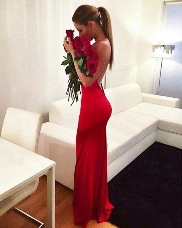 Valentin day rose red dress