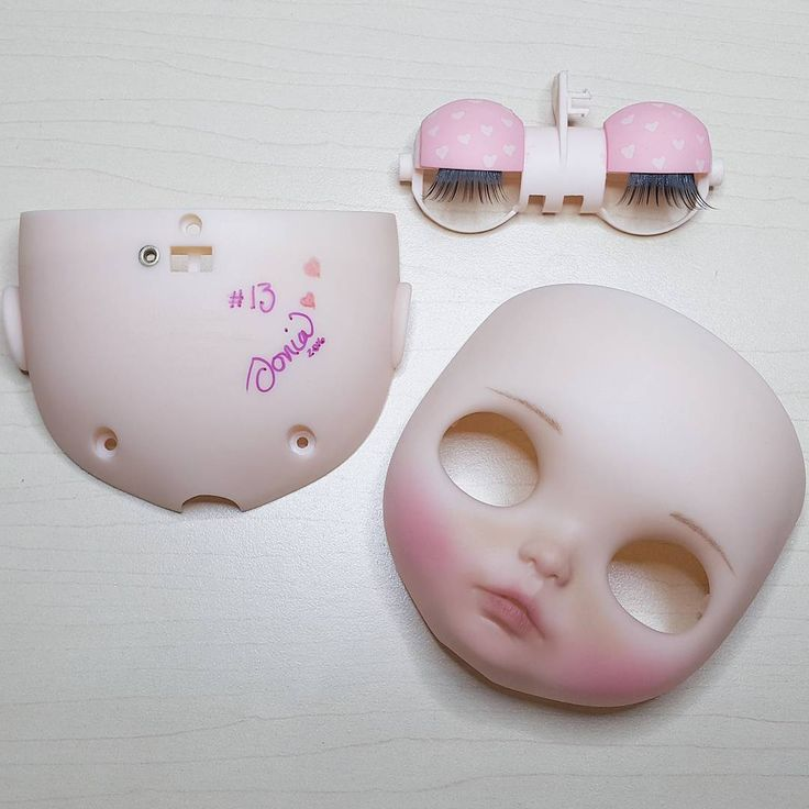 13, mi número favorito 💕 ________________________ #Sonydolls #blythedoll #custombysony #customblythe #blythe #dollphotography #dolls #muñeca #poupée #instablythe #blythestagram #dollstagram #toystagram #collectibles #toys #mexico #10demayo #may10 #momsday #diadelamadre #13 #wip #hearts #makeup #toyartistry #dolllovers #cutebaby #bigeyes #realdoll #love