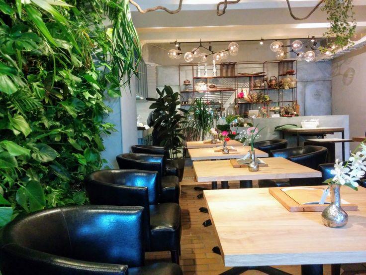 SAPPORO FLOWER &CAFE (サッポロ・フラワー&カフェ)【札幌円山】◆花と緑に囲まれて非日常のカレーランチ!