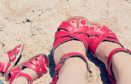 Saltwater sandals via rockstar diaries