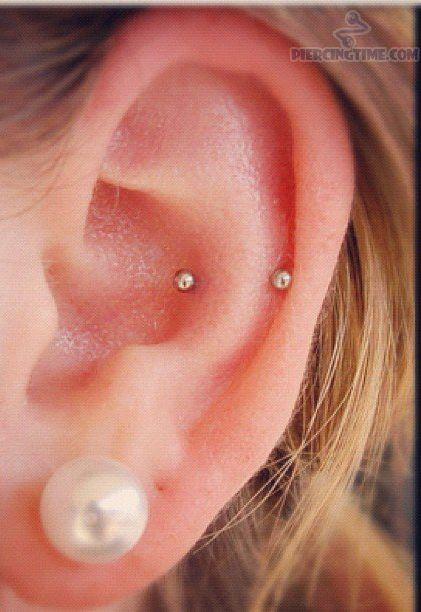 Snug piercing with stud