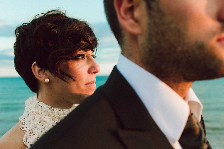Hoy el día va por esas novias de melenita corta que tanto nos gustan :D, buen día  a tod@s!! www.luiscabeza.com #fotografobodamalaga #bodas2015 #peinadosparanovias #fotografodeboda #bodamarbella #luiscabeza