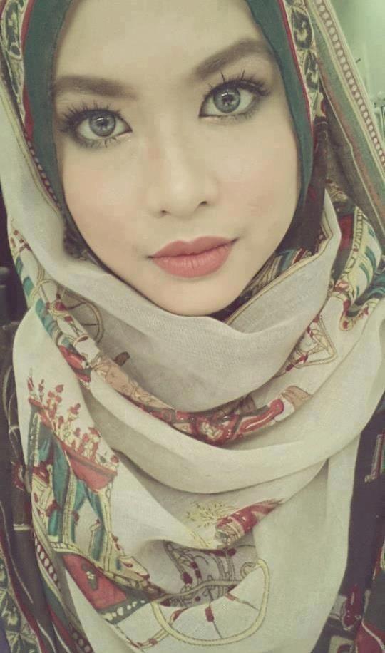 Malay girl wear scarf having sex - Nude gallery